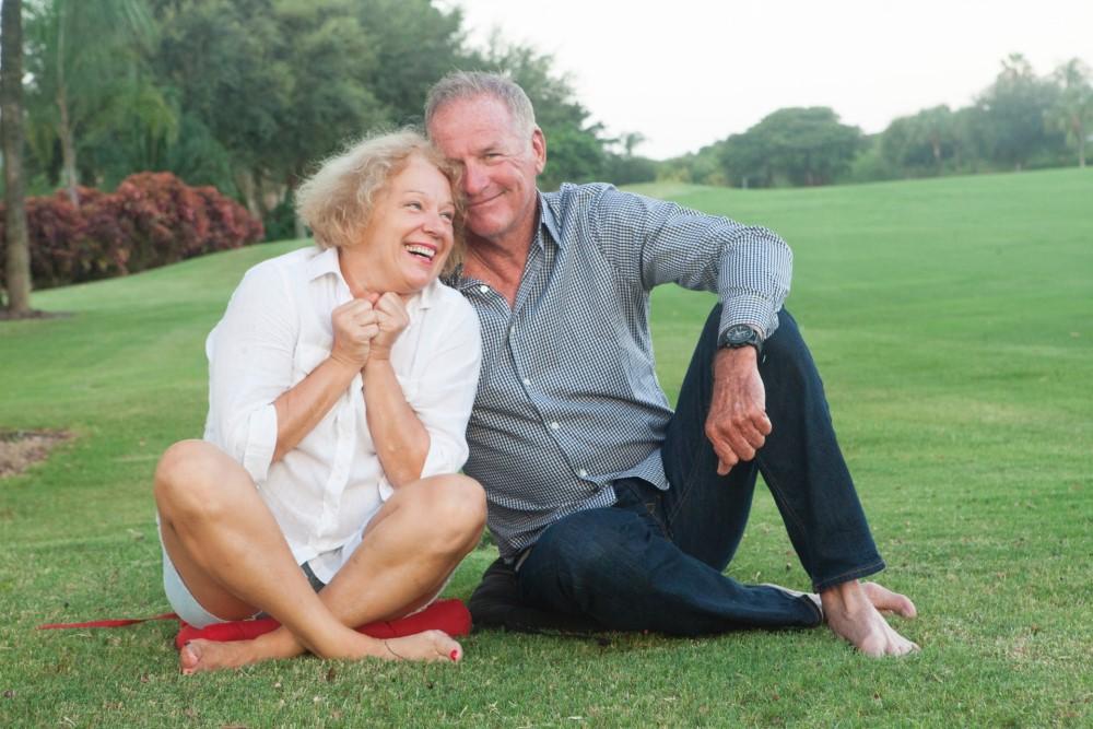 整体ショーツ公式サイト-笑顔の夫婦