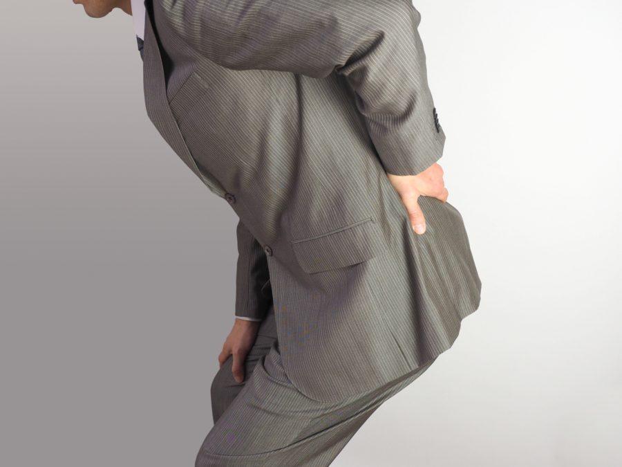 腰の痛みには整体ショーツと整体パンツ