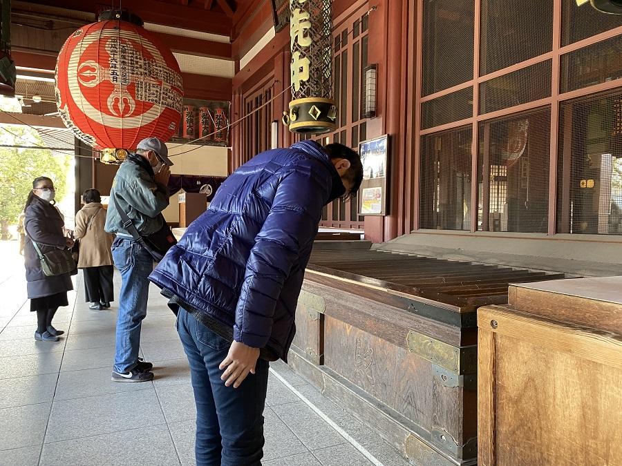 praying_kawasaki