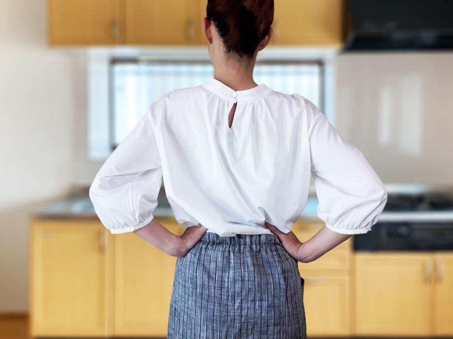 反り腰を改善する正しい「立ち方」
